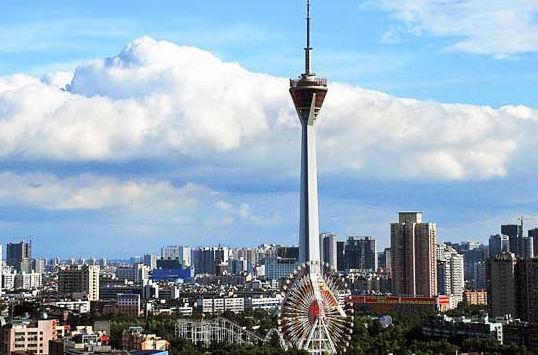 作为四川省和成都市的绝对地标性建筑,四川广播电视塔上8000平方
